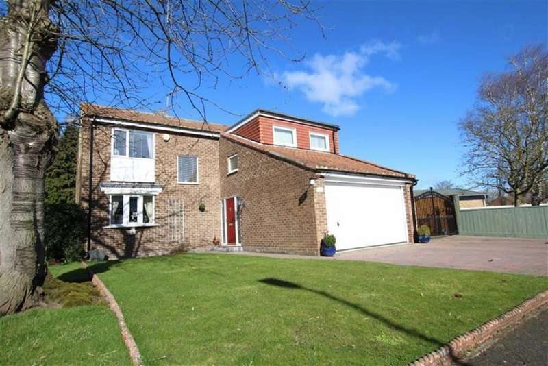 5 Bedrooms Detached House for sale in The Green, Long Newton, Stockton-on-Tees