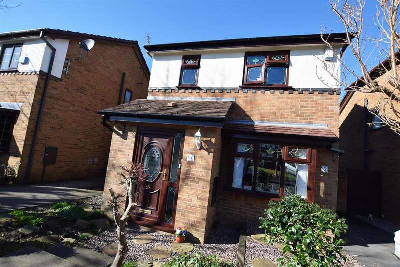 3 Bedrooms Detached House for sale in Hopcroft Close, Blackley, Manchester