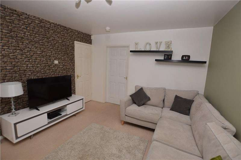3 Bedrooms Town House for sale in Springwood Close, Thorpe, Wakefield, West Yorkshire
