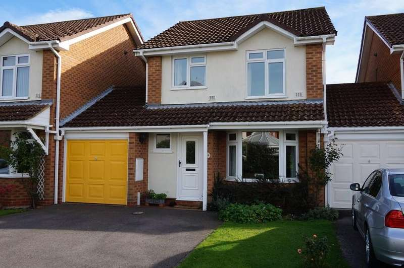 3 Bedrooms Link Detached House for sale in Smallfield, Surrey