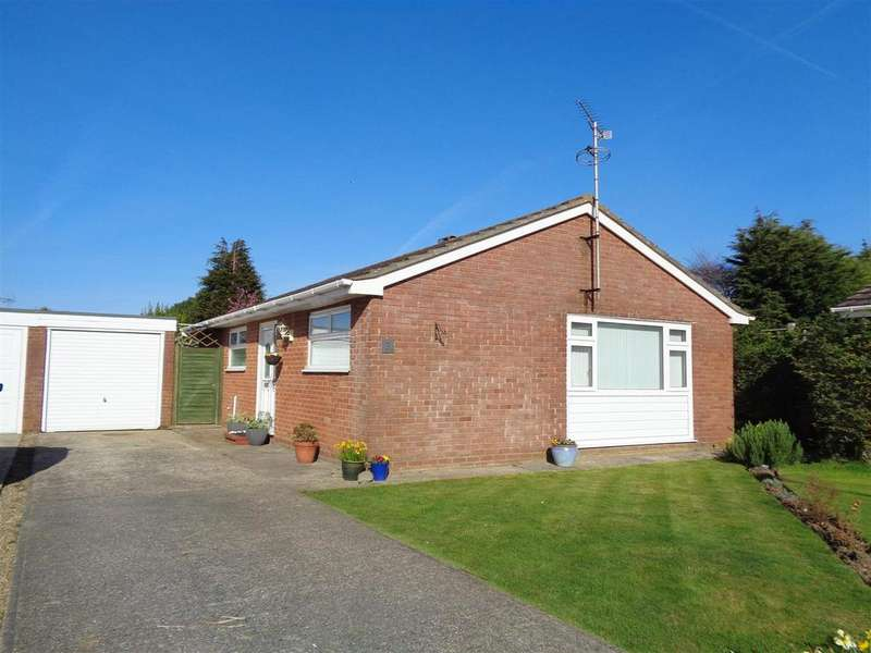 2 Bedrooms Detached Bungalow for sale in Hardy Close, Felpham