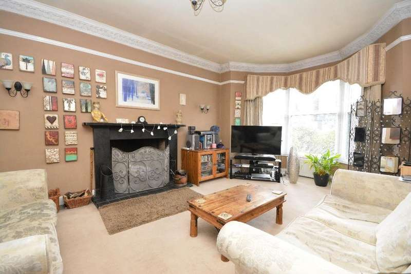 4 Bedrooms Semi Detached House for sale in Grahams Road, Falkirk, Falkirk, FK2 7DD