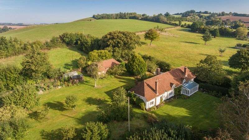 5 Bedrooms Detached House for sale in Shobrooke, Crediton