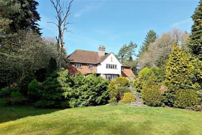 5 Bedrooms House for rent in Green Lane, Chilworth