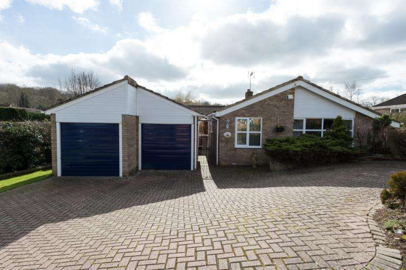 3 Bedrooms Detached Bungalow for sale in Kellys Road, Wheatley, Oxford