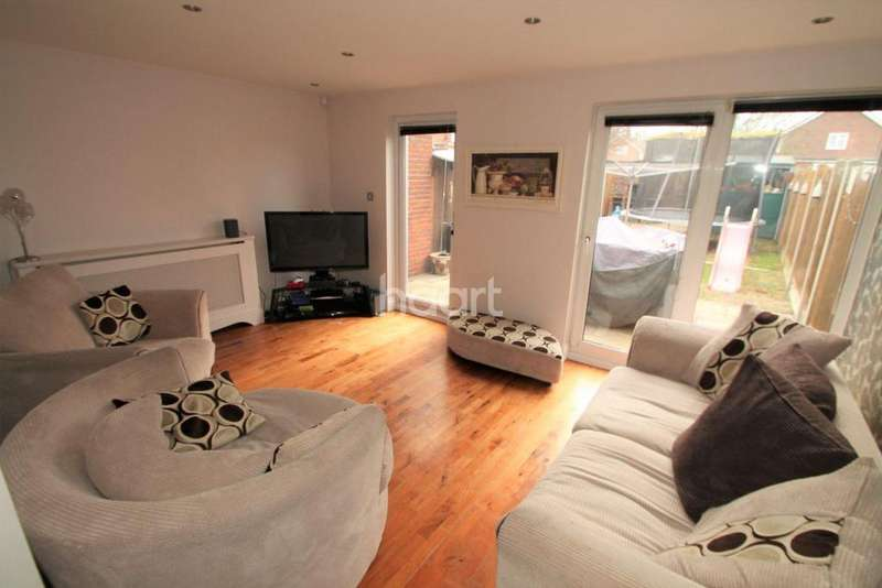 3 Bedrooms Terraced House for sale in Wickham Place, Basildon