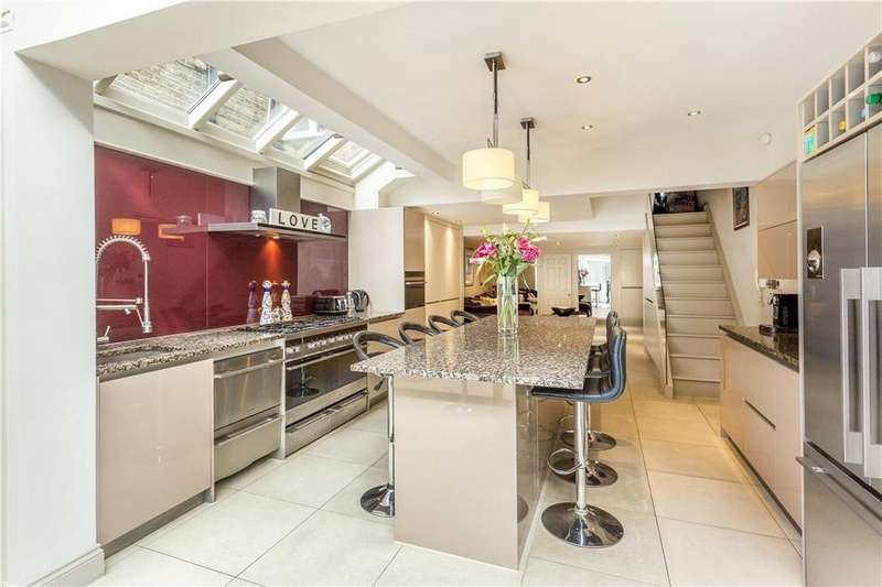 4 Bedrooms Terraced House for sale in Hazlebury Road, Fulham, London, SW6