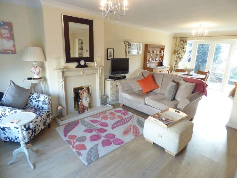 4 Bedrooms Detached House for sale in Bishops Close, Stratford-Upon-Avon