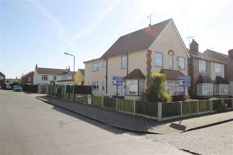5 Bedrooms Detached House for sale in Agincourt Road, Clacton-on-Sea