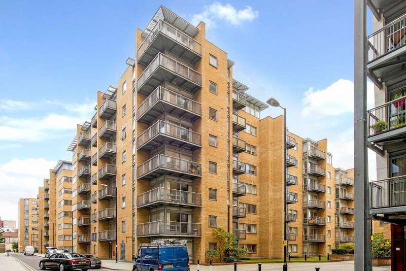 1 Bedroom Apartment Flat for sale in Moore House, E14