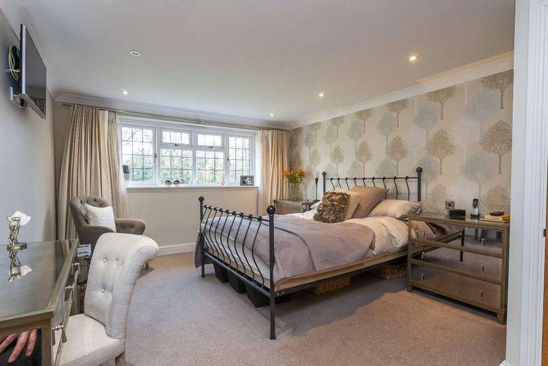 4 Bedrooms Detached House for sale in Basingstoke Road, Ramsdell, Tadley, Hampshire, RG26