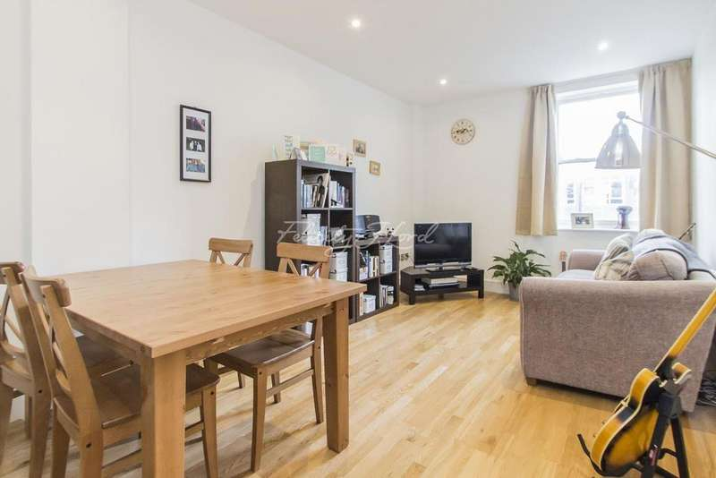 2 Bedrooms Flat for sale in Ashburnham place, Greenwich, SE10
