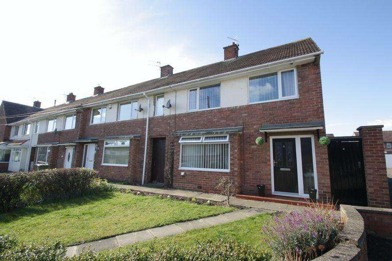 3 Bedrooms Terraced House for sale in Hurworth Close, Fairfield, Stockton, TS19 7PE