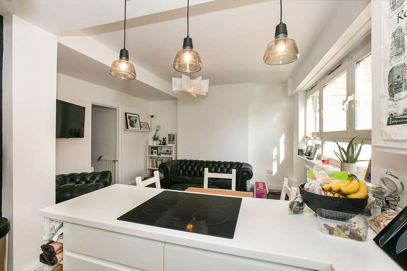 3 Bedrooms Flat for sale in Adams Gardens Estate, Rotherhithe, London, SE16
