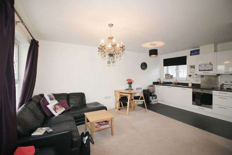 2 Bedrooms Flat for sale in Higham Avenue, Holborough Lakes