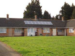 1 Bedroom Bungalow for sale in Holly Road, Rochester, Kent