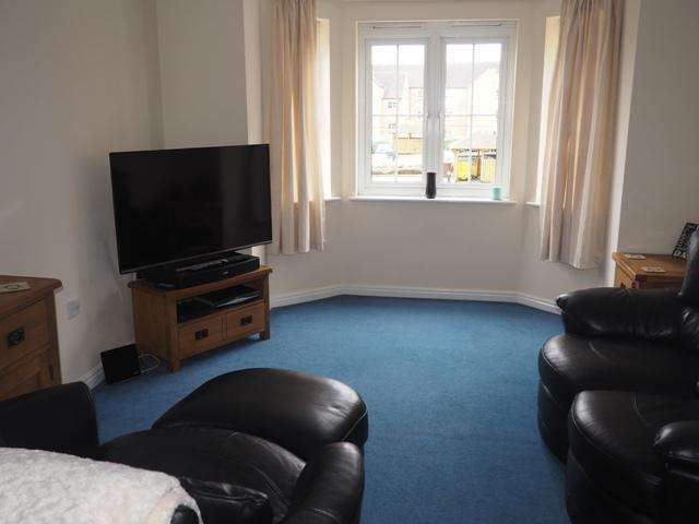 2 Bedrooms Apartment Flat for sale in Chandlers Court, Victoria Dock, Hull, HU9 1FB