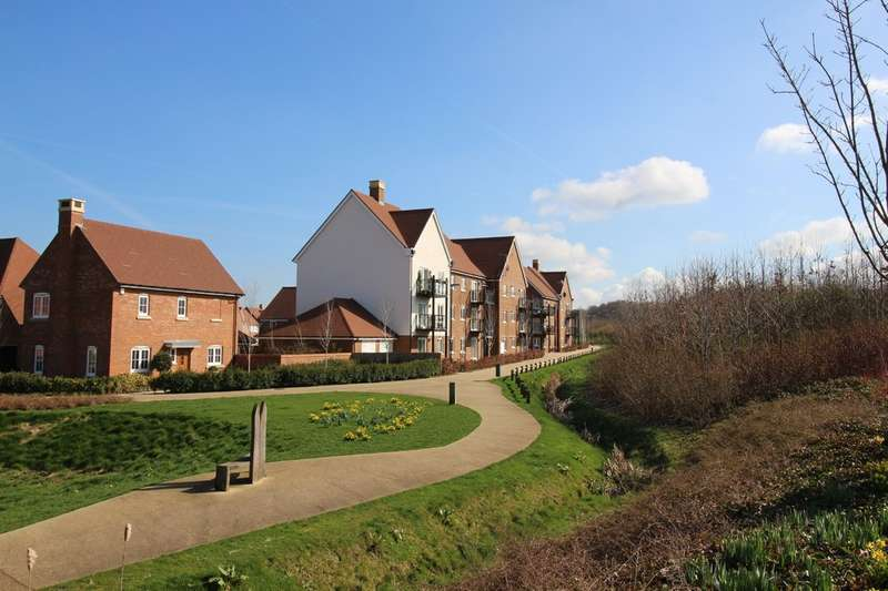 2 Bedrooms Flat for sale in Millpond Lane, Kilnwood Vale