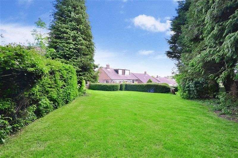 4 Bedrooms Detached Bungalow for sale in Peak Road, CLANFIELD, Hampshire