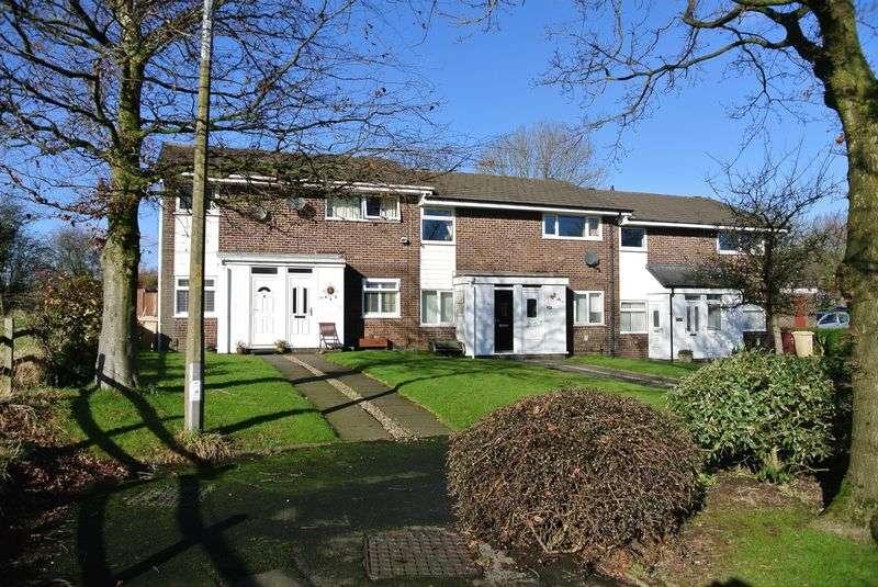 2 Bedrooms Flat for sale in Corston Grove, Blackrod