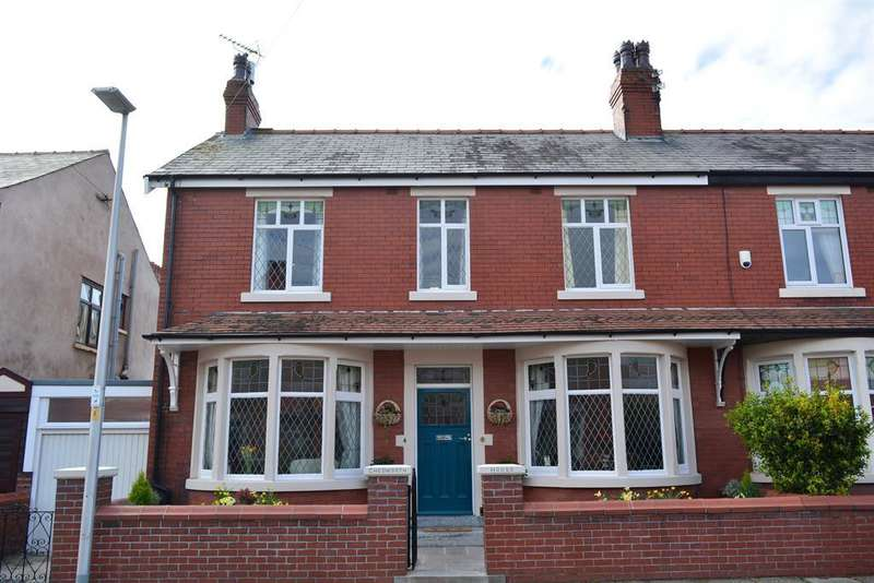 4 Bedrooms Semi Detached House for sale in Queensway, South Shore, Blackpool, FY4 2DG