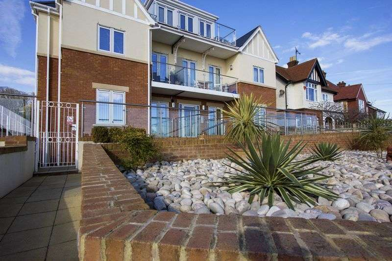 2 Bedrooms Flat for sale in Dumpton Park Drive, Ramsgate