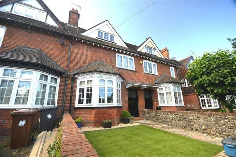 4 Bedrooms Terraced House for sale in Watling Street, Radlett