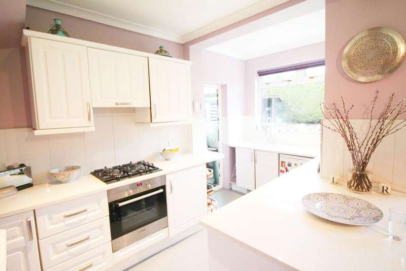 3 Bedrooms End Of Terrace House for sale in Woodstock Crescent, Edmonton, London N9