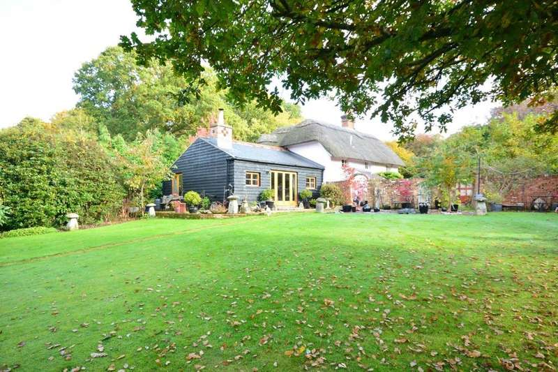 3 Bedrooms Detached House for sale in Newtown Road, Awbridge, Hampshire, SO51