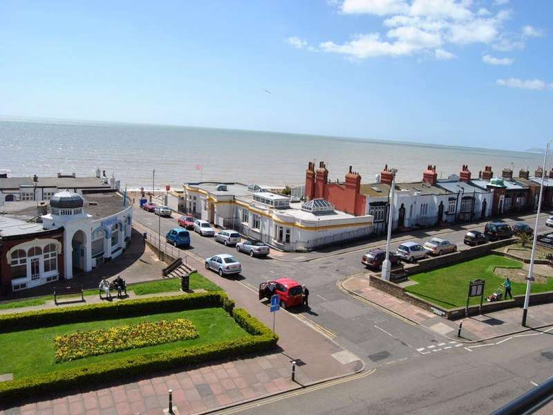 2 Bedrooms Flat for sale in Marina, Bexhill On Sea