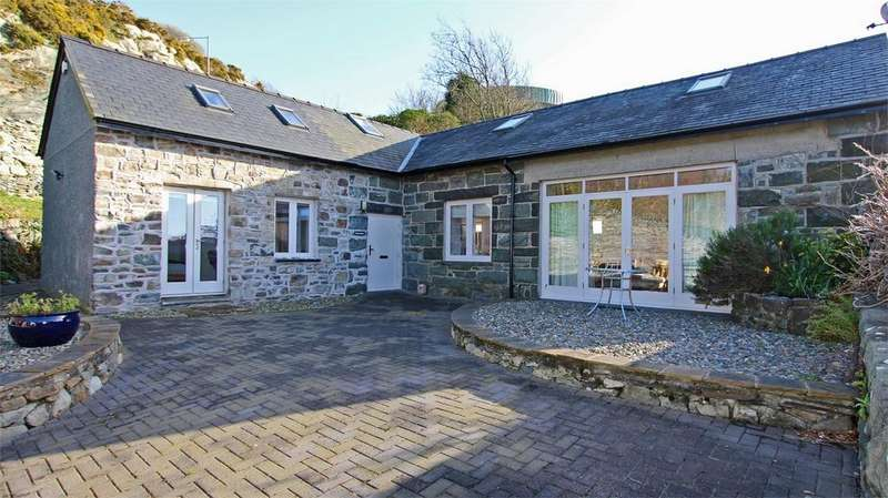 3 Bedrooms Detached House for sale in Gwernan, Harlech, Gwynedd