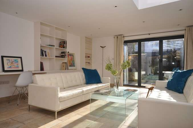 4 Bedrooms Terraced House for sale in Reckitt Road, Chiswick