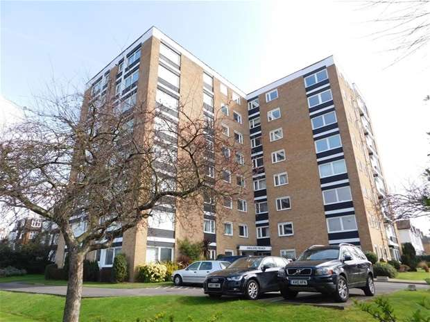 1 Bedroom Flat for sale in Grove Road, Surbiton