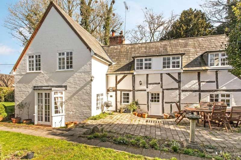 4 Bedrooms Detached House for sale in Weston Patrick, Basingstoke, Hampshire, RG25