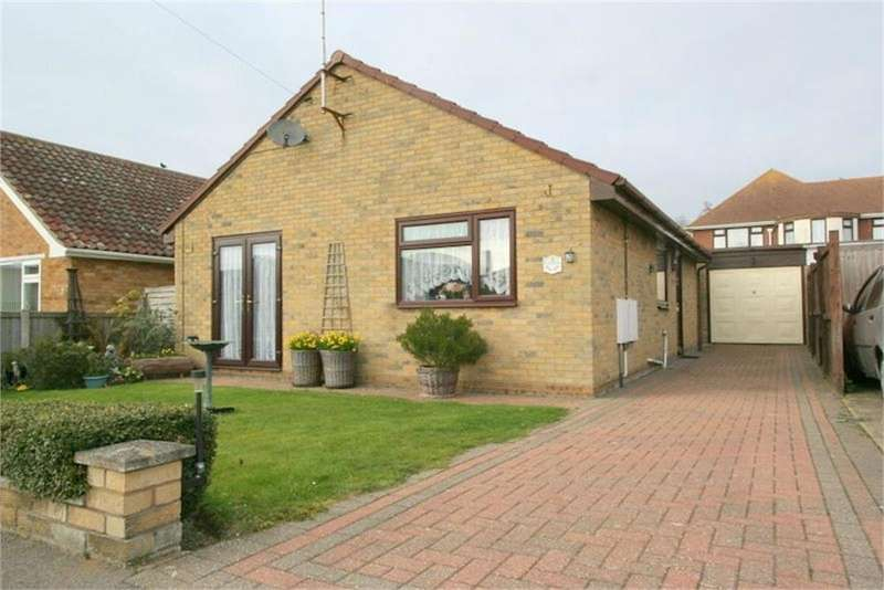 2 Bedrooms Detached Bungalow for sale in Southcroft Close, Kirby Cross, FRINTON-ON-SEA, Essex