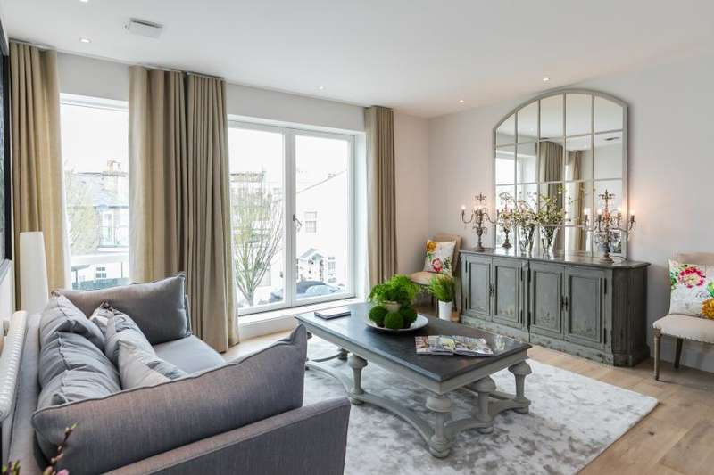 2 Bedrooms Flat for sale in Manor House, Richmond
