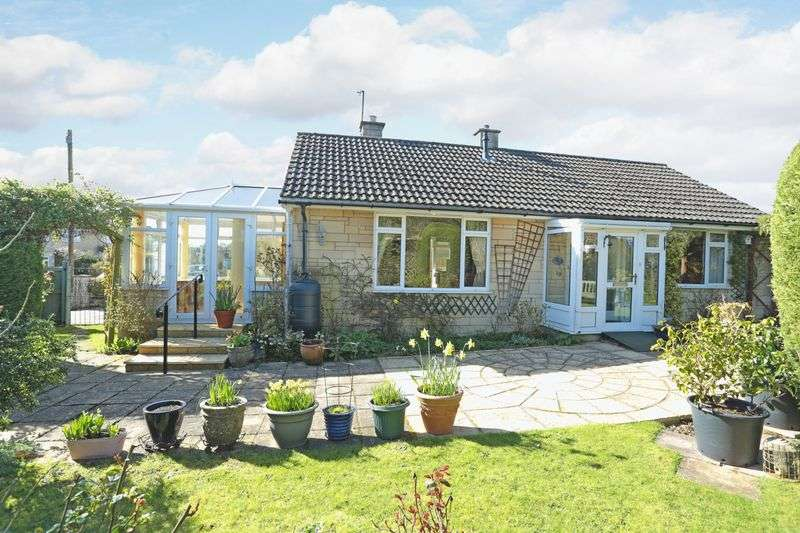2 Bedrooms Detached Bungalow for sale in Kennedy Avenue, Melksham