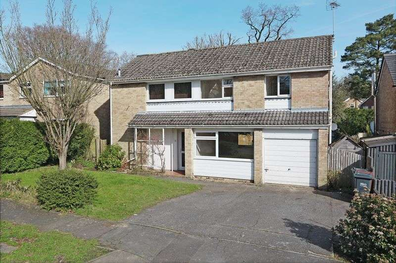 5 Bedrooms Detached House for sale in Eridge Drive, Crowborough, East Sussex