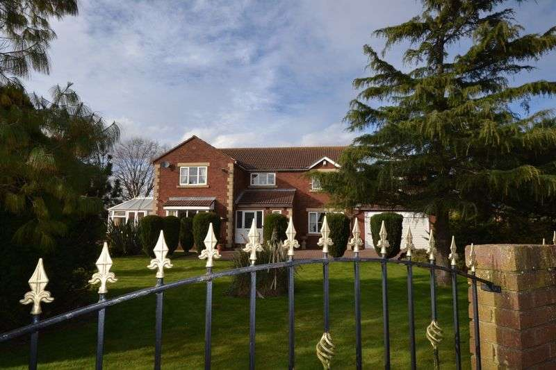 4 Bedrooms Detached House for sale in Shop Row, Houghton Le Spring