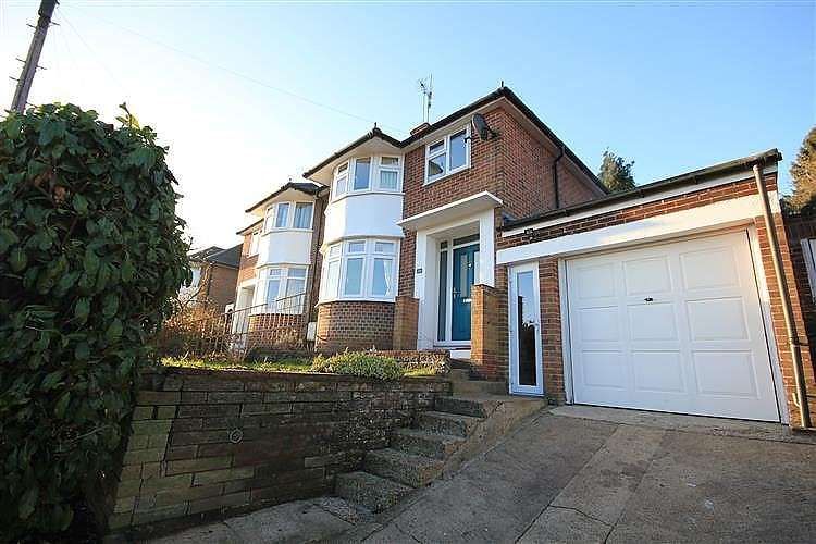 3 Bedrooms Semi Detached House for sale in Sheridan Avenue, Caversham, Reading, RG4