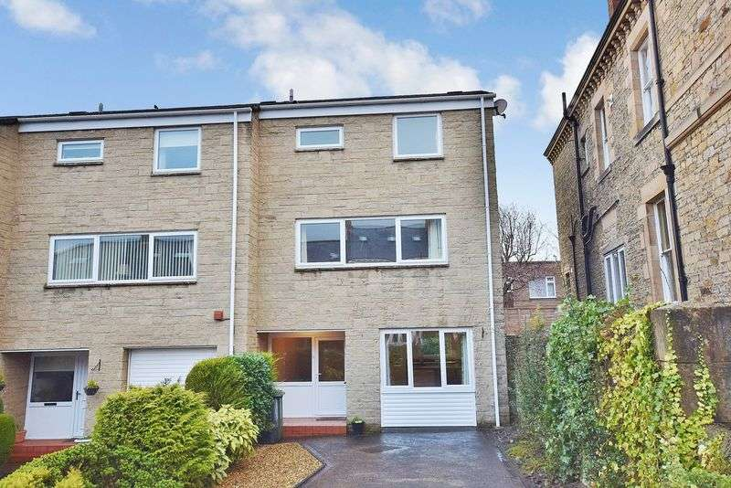 3 Bedrooms Terraced House for sale in Hencotes Court, Hexham