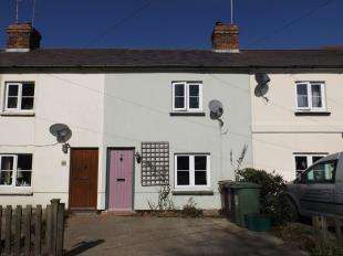 2 Bedrooms Terraced House for sale in Station Road, Robertsbridge, East Sussex