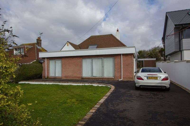 4 Bedrooms Detached Bungalow for sale in Smithies Avenue, Penarth