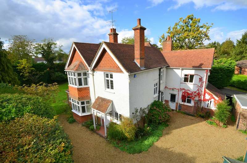 5 Bedrooms Detached House for sale in Cranleigh
