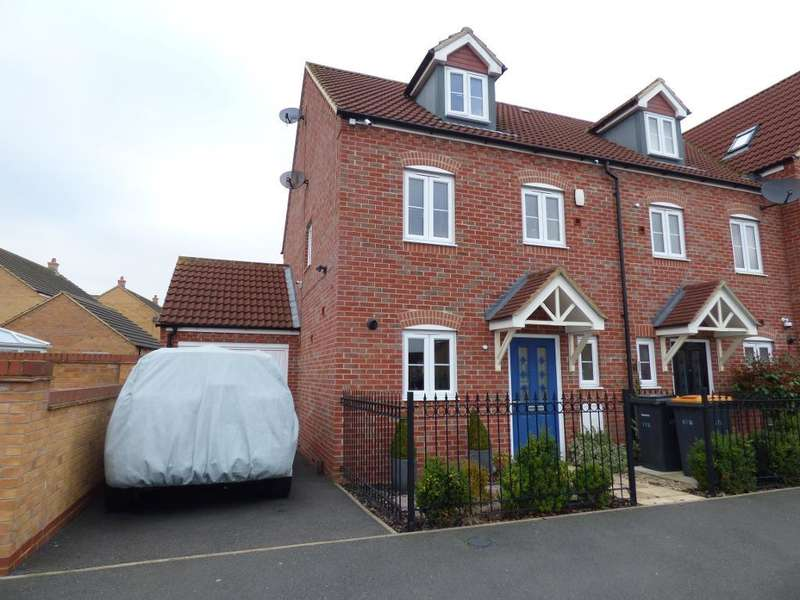 3 Bedrooms Semi Detached House for sale in Ashmead Road, Bedford, MK41 7FD
