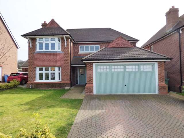 4 Bedrooms Detached House for sale in Irving Place, Buckshaw Village, Chorley, PR7