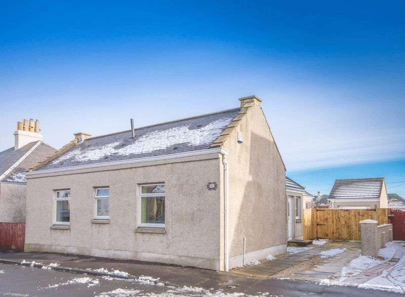 3 Bedrooms Detached Bungalow for sale in Wardlaw Street, Cowdenbeath