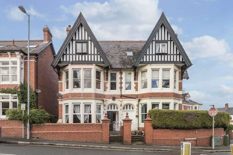 6 Bedrooms Semi Detached House for sale in Fields Park Road, Newport