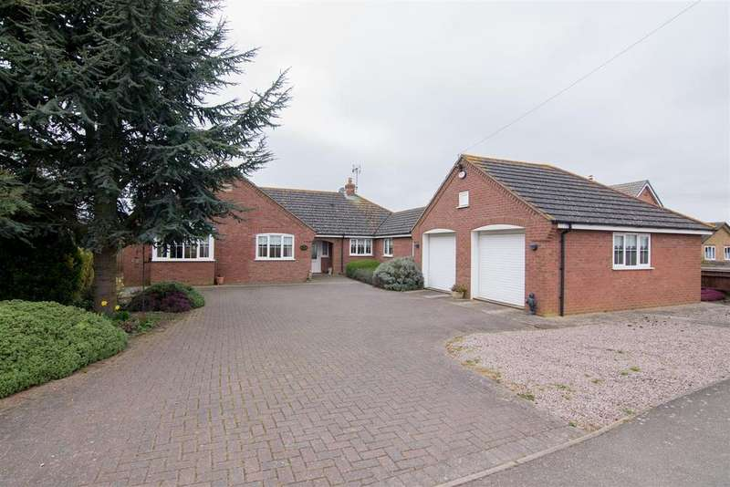 4 Bedrooms Detached Bungalow for sale in Seagate Road, Long Sutton
