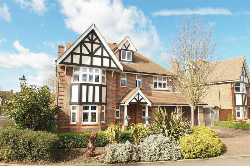 5 Bedrooms Detached House for sale in Bucknall Way, Langley Park, Beckenham